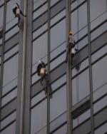 来凤恩施外墙玻璃面的清洁保养工艺